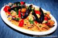 Spaghettone con vongole cozze e lupini.