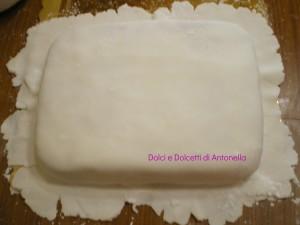 rivestire torta pasta di zucchero mmf dolci e dolcetti di antonella