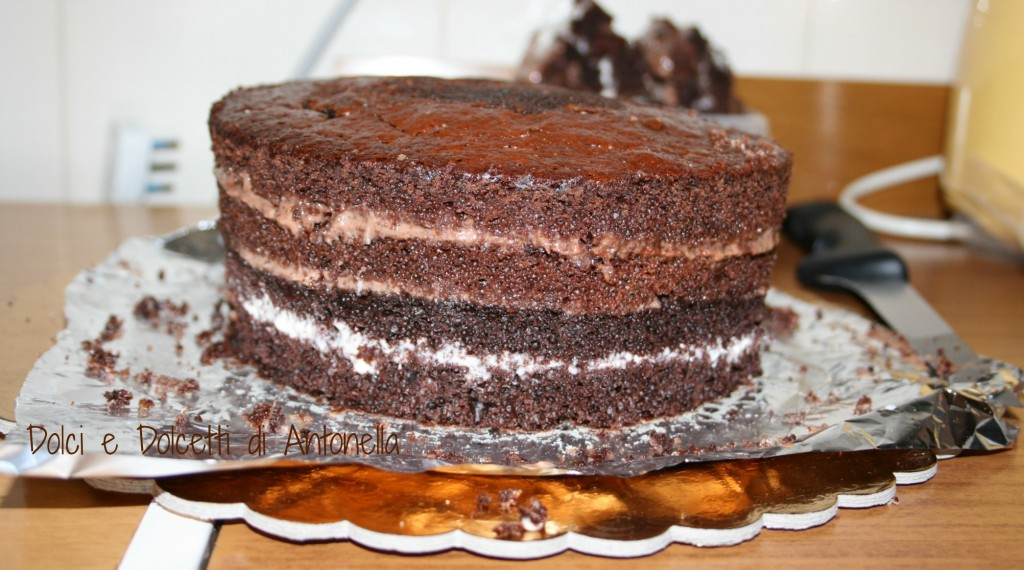torta a due piani dolci e dolcetti di antonella