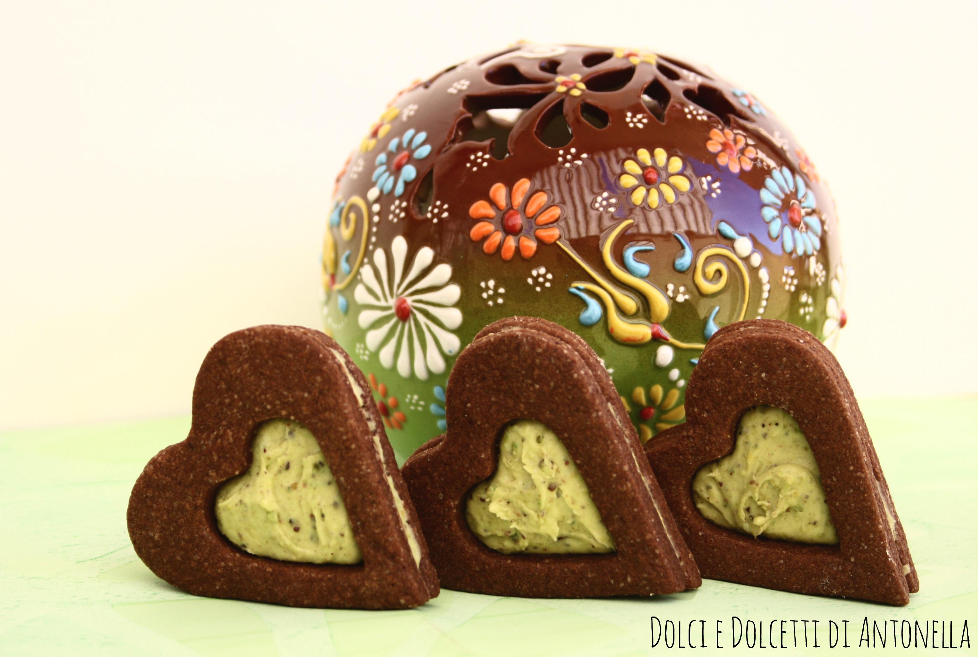 biscotti al cioccolato con cuore di crema al pistacchio dolci e dolcetti di antonella