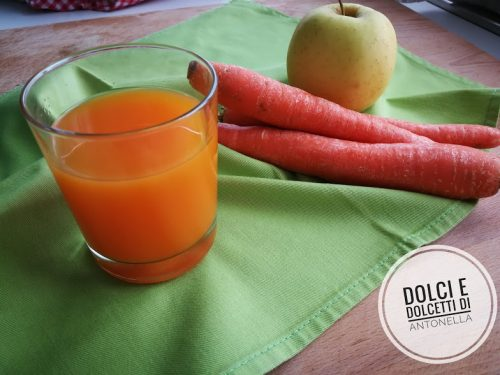 Succo carote e mela, Ricetta Bimby