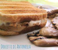 Toast melanzane e sottiletta, idea pranzo light e veloce