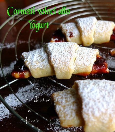 Cornetti allo yogurt di Anna Moroni