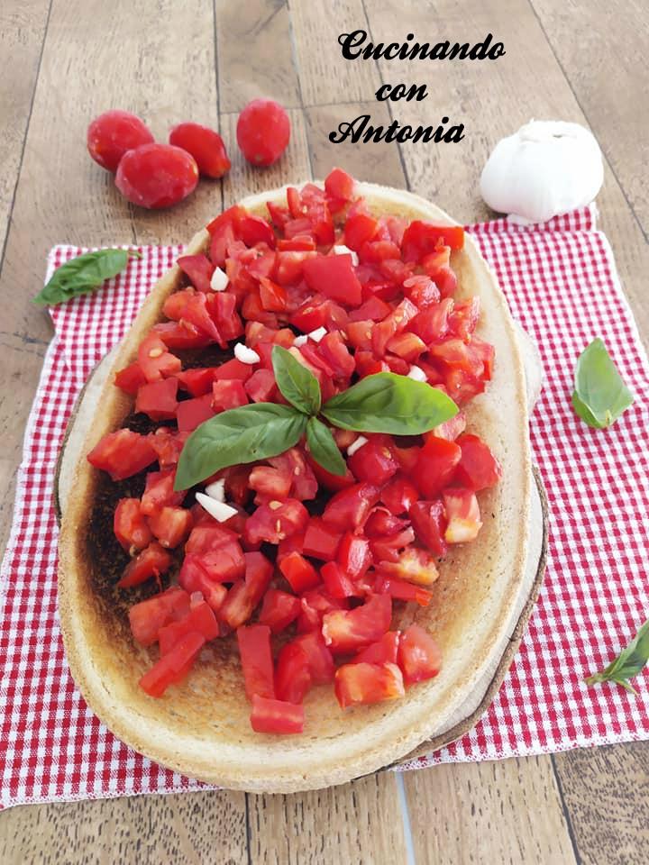 Bruschetta-con-pomodorini