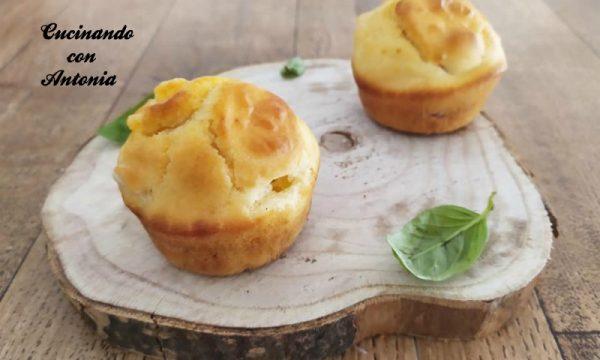 Muffin salati con formaggio