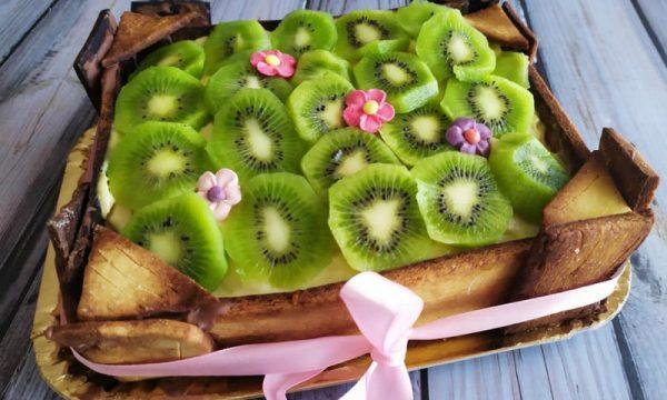 Cassetta di kiwi con crema pasticcera