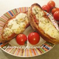 pizzette furbe (ricicliamo il pane) a pancia piena