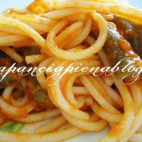 spaghetti con sugo e fagiolini a pancia piena blog