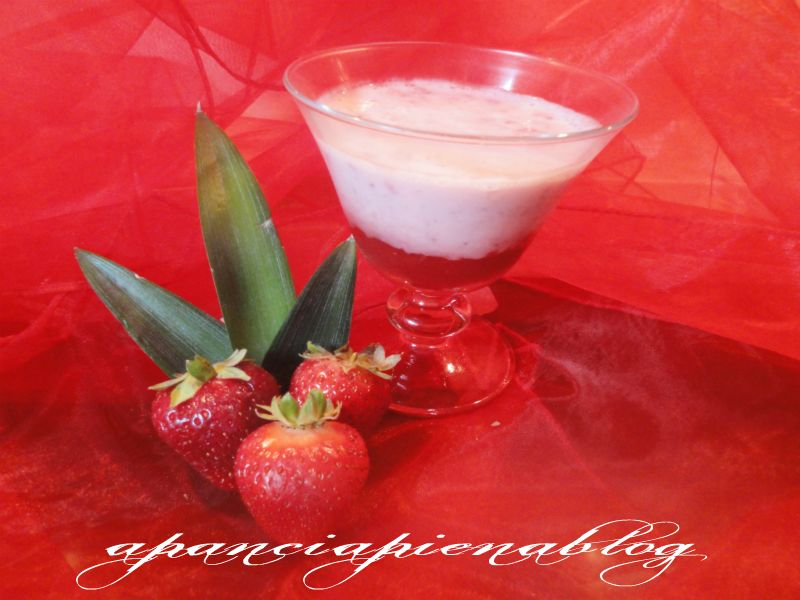 coppa golosa con fragole e yogurt a pancia piena