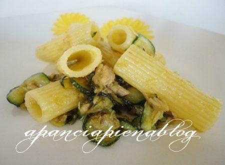 Pasta con zucchine e tonno (ricetta veloce)