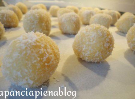 Biscotti con pasta frolla al cocco (ricetta tradizionale e bimby)