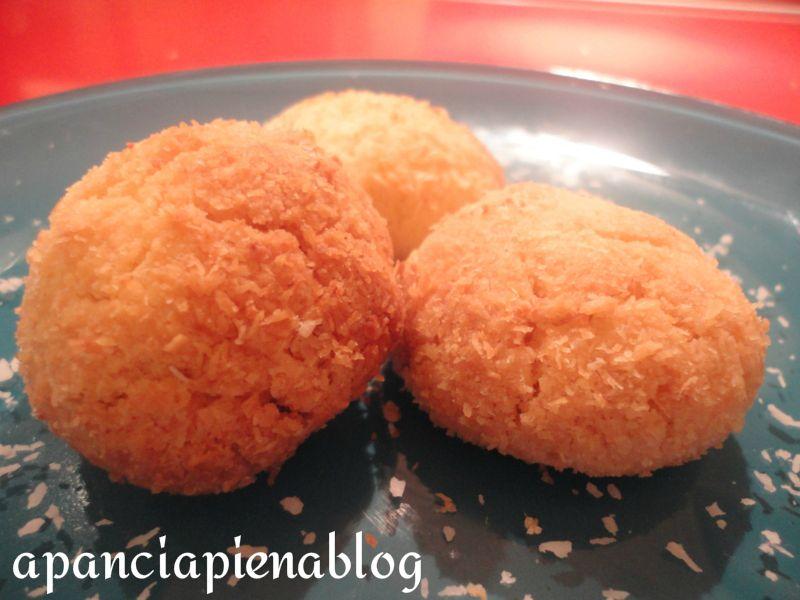 biscotticon pasta frolla  al cocco  a pancia piena blog.jpg