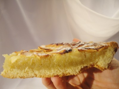 crostata con crema frangipane e mele a pancia piena