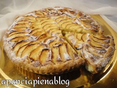 crostata frangipane con mele a pancia piena
