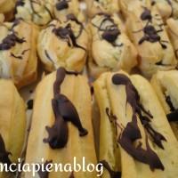 Eclairs al cioccolato (ricetta tradizionale e bimby)