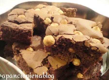 Brownies con nocciole (ricetta tradizionale e bimby)