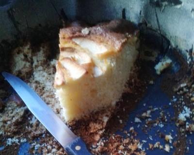 torta di mele dopo la colazione a pancia piena