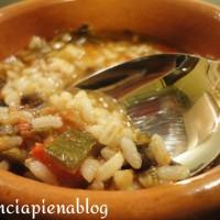 zuppa di verdure con riso integrale a pancia piena