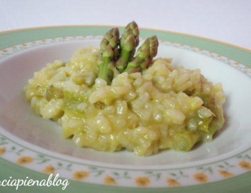 Risotto con asparagi (ricetta vegetariana)