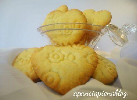 Biscotti ricamati (ricetta tradizionale e bimby)
