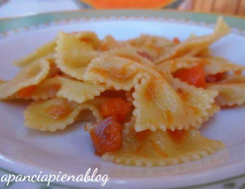 Farfalle con zucca e pancetta (ricetta d'autunno)