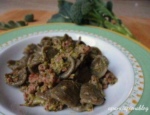 Orecchiette al grano arso con broccoletti e salsiccia