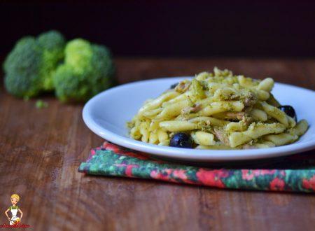 Strozzapreti con broccoli e tonno