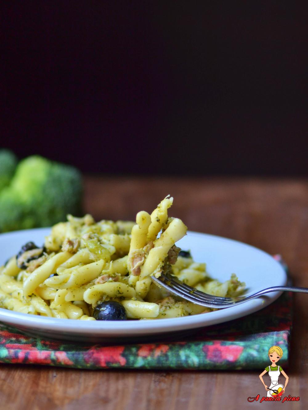 strozzapreti con broccoli e tonno a pancia piena