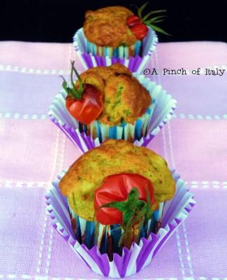 Ricetta Muffin Asparagi e Ricotta con Pomodorini