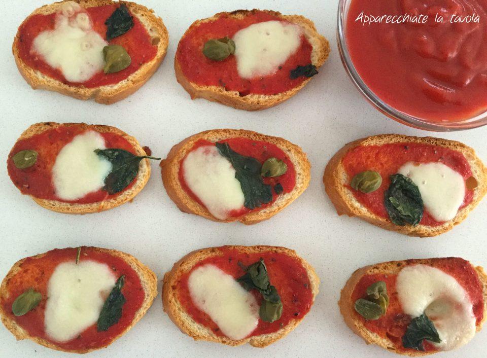 crostini alla pizzaiola