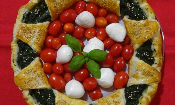 TORTA SALATA GHIRLANDA DI NATALE