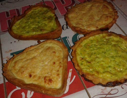 Tartellette assortite con zucchine e prosciutto cotto