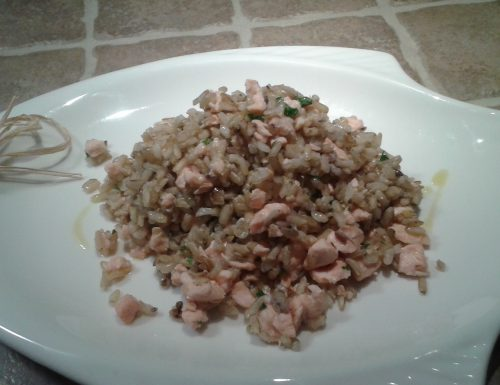 Insalata di riso Integrale con Salmone fresco