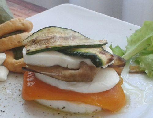 Millefoglie di verdure marinate con Mozzarella