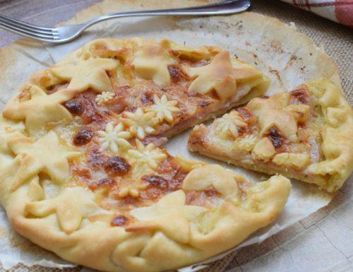 Crostata al prosciutto e mozzarella con battuto di olive e melanzane