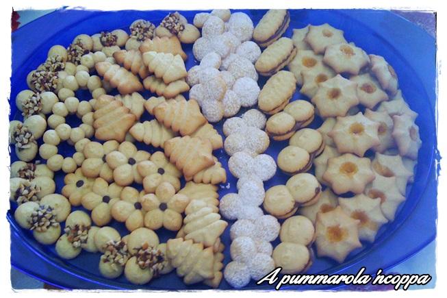 Biscotti di pasta Frolla montata  blog cucina giallo zafferano ricetta A pummarola 'ncoppa sparabiscotti uova zucchero farina burro