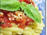 Casarecce alla trapanese ricetta A pummarola 'ncoppa