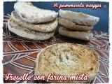 Freselle ricetta A pummarola 'ncoppa