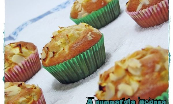 Muffin mele,mandorle e cannella
