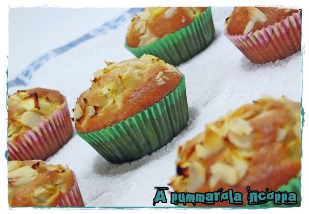 Muffin mele mandorle e cannella