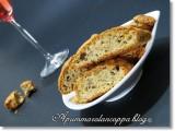 Cantucci salati noci e formaggio