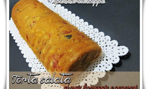 Torta salata con mais, formaggio e peperoni