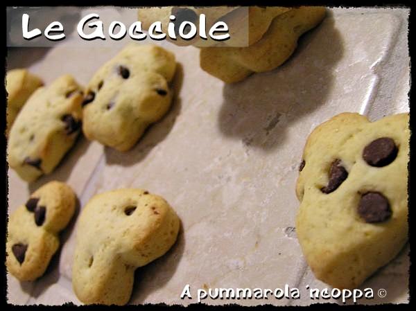 Le gocciole biscotti di pasta frolla e gocce di cioccolato ricetta A pummarola 'ncoppa