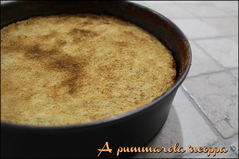 Gateau di patate sformato di patate torta di patate ricetta blog cucina giallo zafferano a pummarola 'ncoppa salumi prosciutto formaggio
