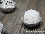 Tartufini al cocco simil raffaello ricetta blog cucina giallo zafferano a pummarola ncoppa cocco e cioccolato bimby