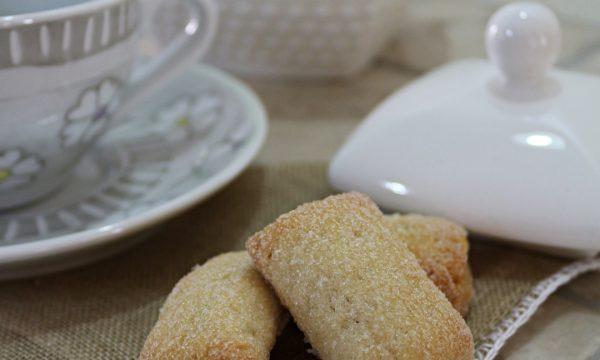 Biscotti al latte senza uova e senza burro