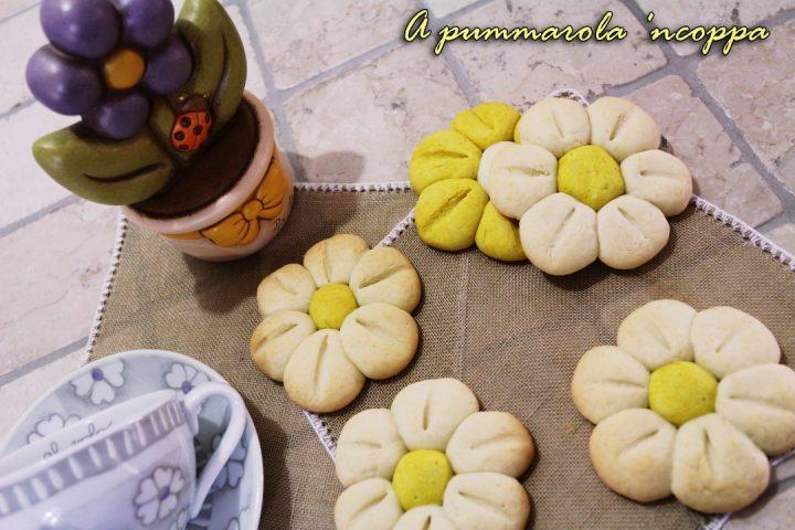 BISCOTTI FIORE THUN ricetta giallo zafferano blog a pumamrola ncoppa