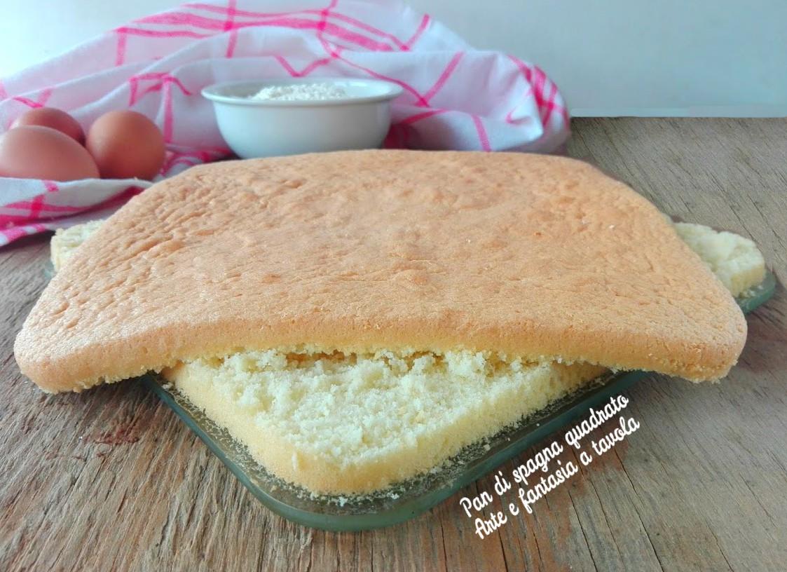 Pan di spagna quadrato