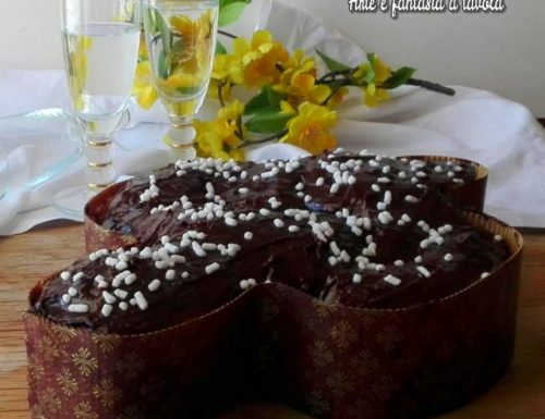 Colomba glassata al cioccolato