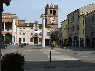 320px-Piazza_risorgimento